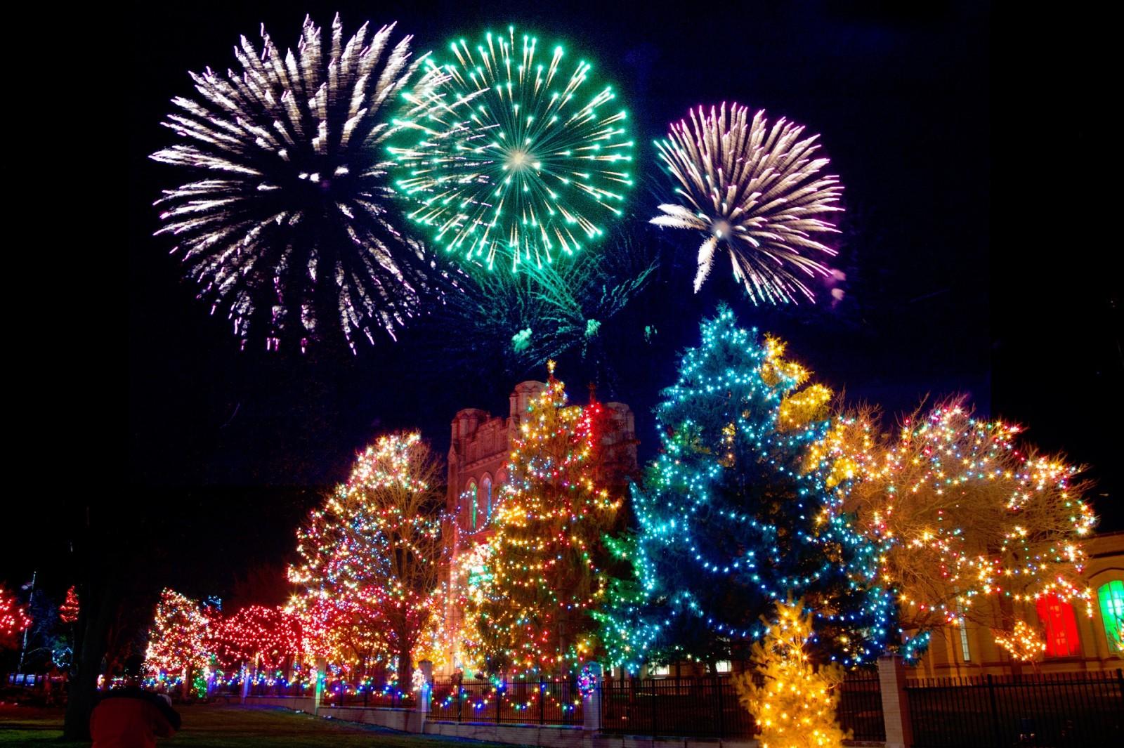Фейерверки в новогодние праздники можно будет запускать с